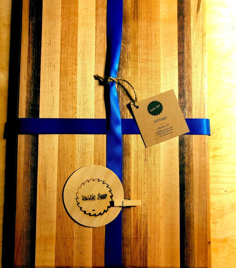 rustic_saw_wood_cuttingboard_maple.jpg