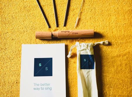 Singing / Straw