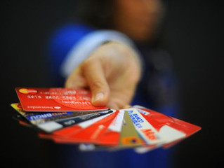 No se exigirán firmas ni datos personales por compras con tarjetas