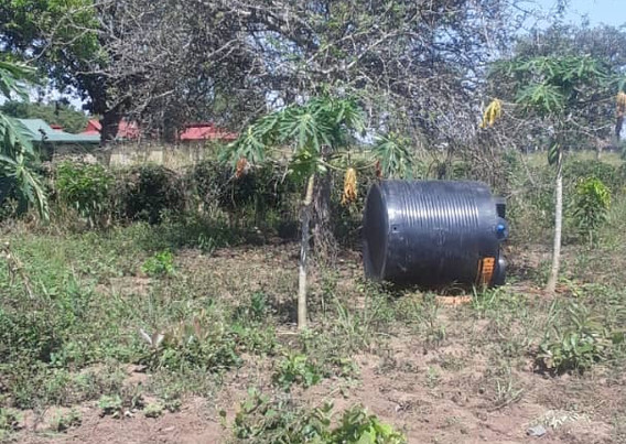INv 490 OHC water tank install 2.JPG