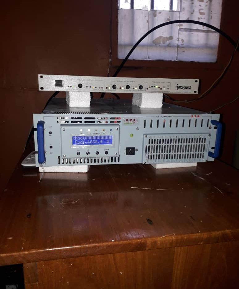 Usalama new transmitter and band pass 1.