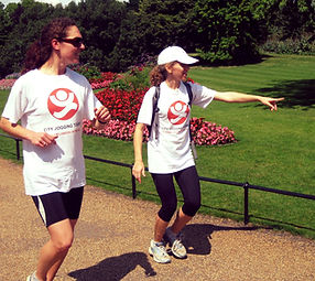 Running tour guide with a runner on a private tour