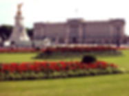 Beautiful picture of Buckingham Palace in summer