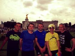 Runners visiting Buckingham Palace
