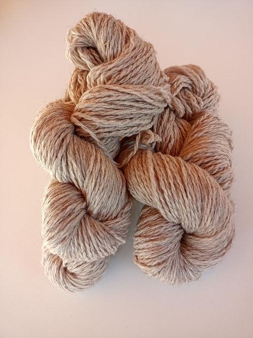 Fil à tricoter en laine de solognote