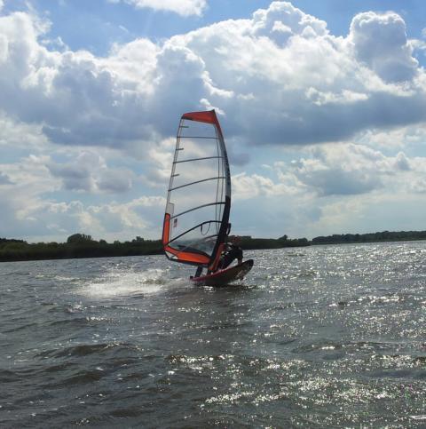 Windsurf Verleih & Windsurf Schule