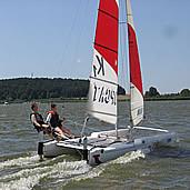 Topcat K1 / Bootsverleih / Segelkurse