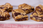 Chocolate chip cookie bars.png