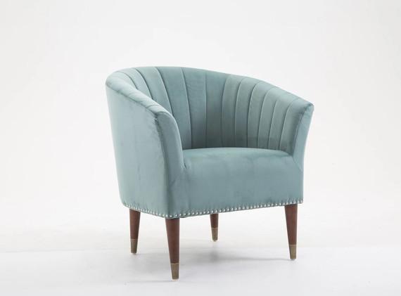 Jessica_armchair.JPG