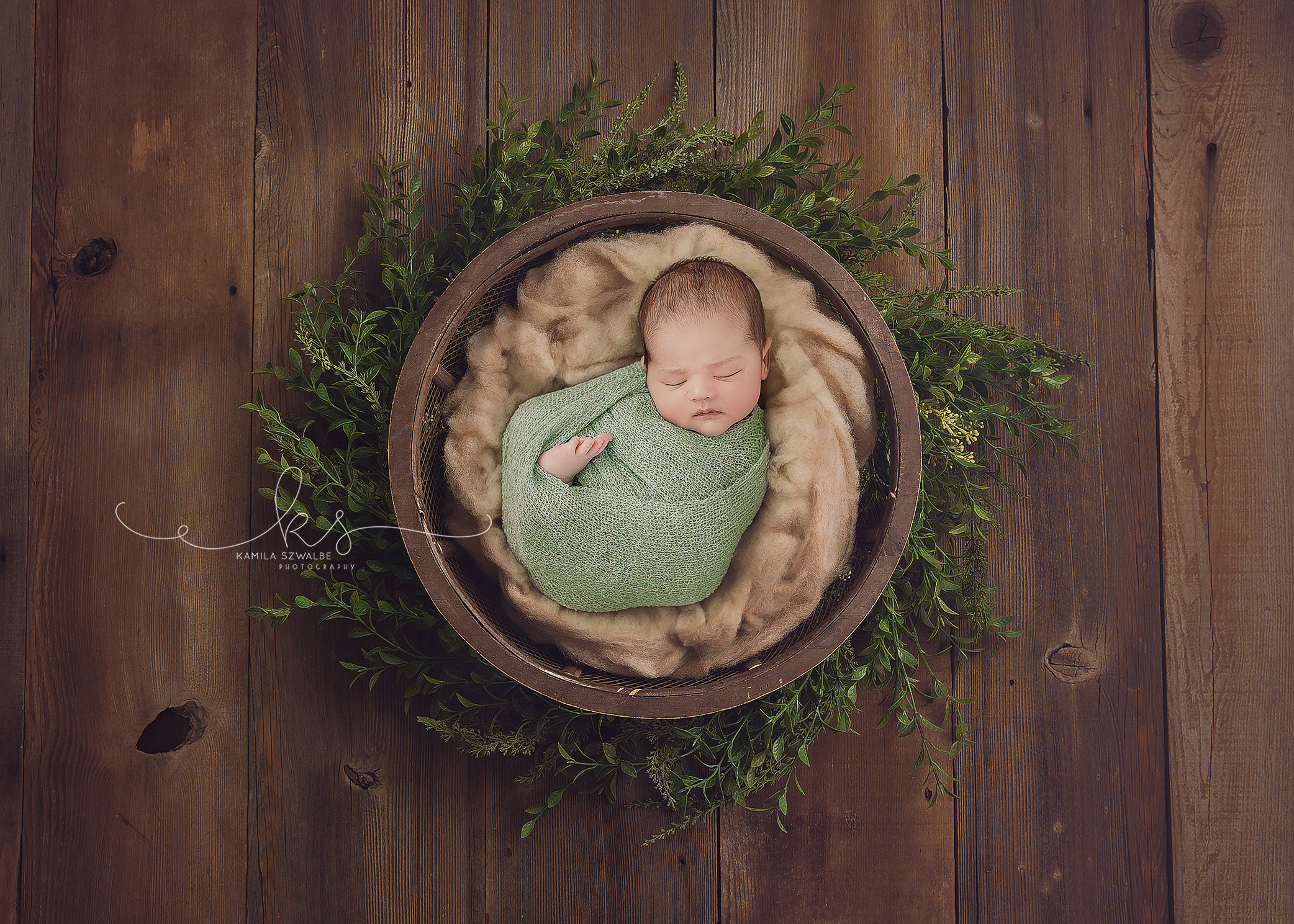 newborn session at home