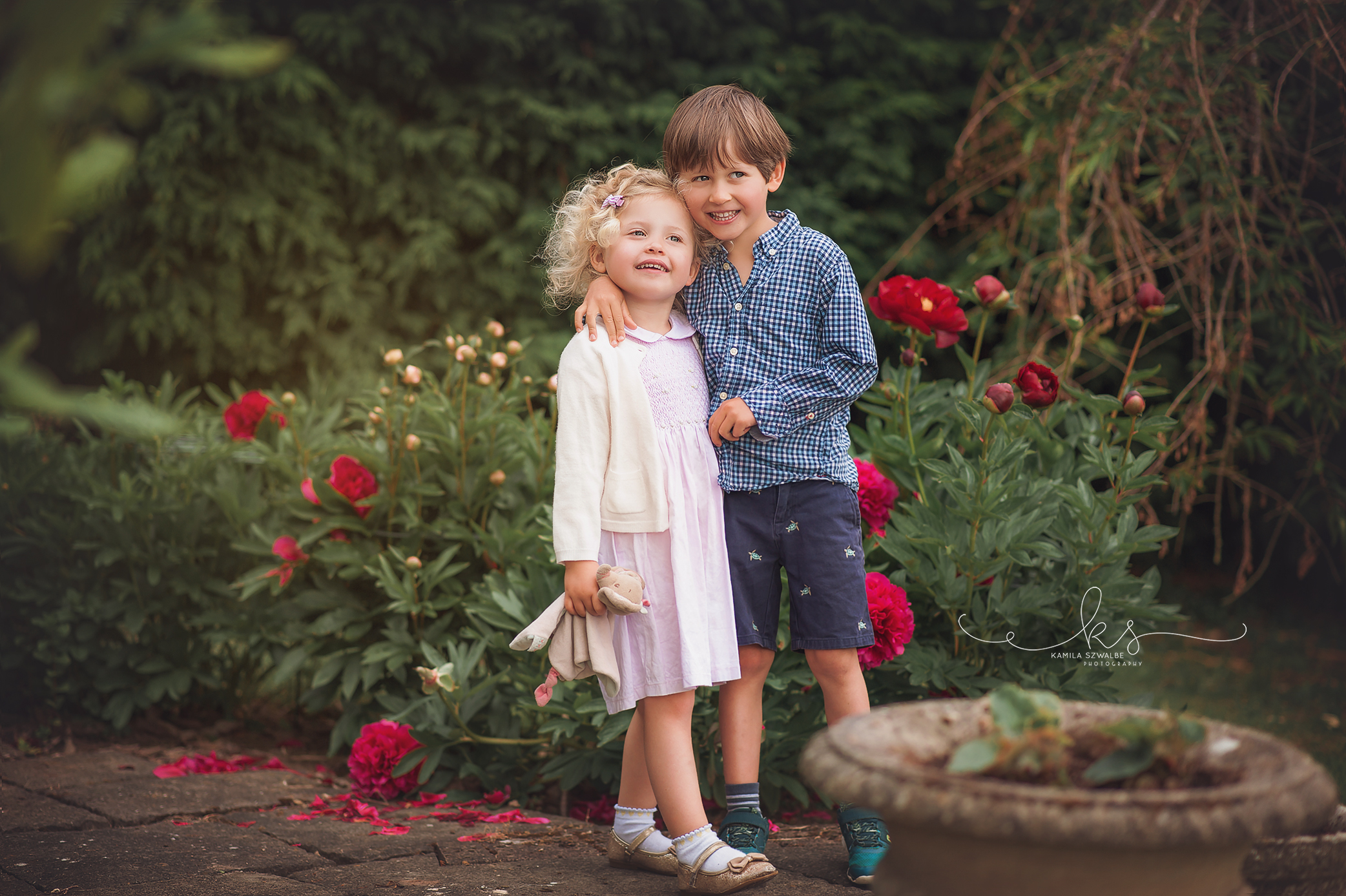 children siblings photographer
