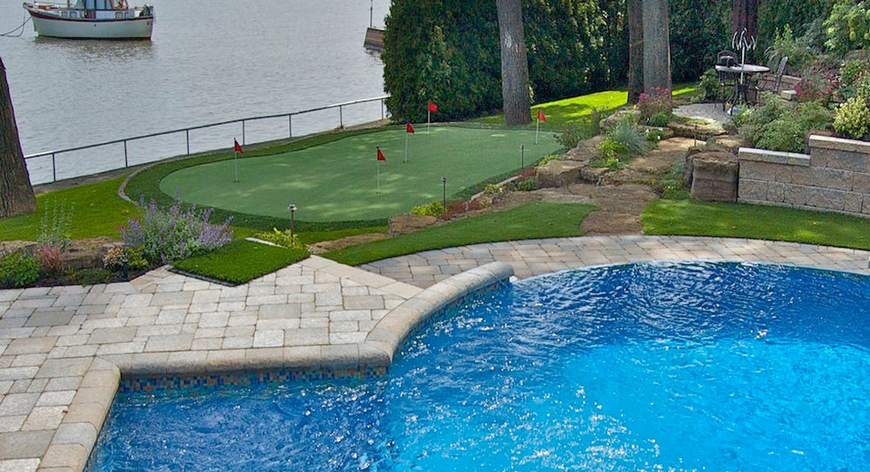 custom pools and ponds