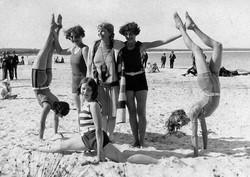 Early Middleton Beach