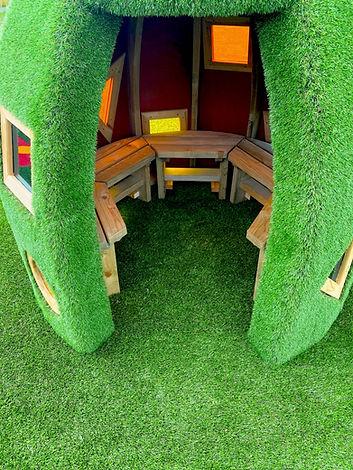 Grass hut 002.jpg