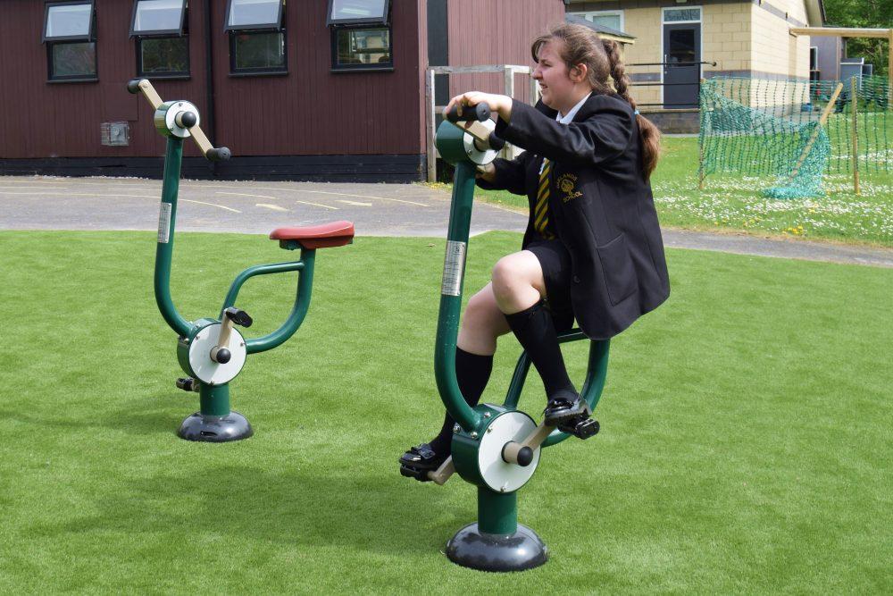 steel-arm-pedal-cyclejpg