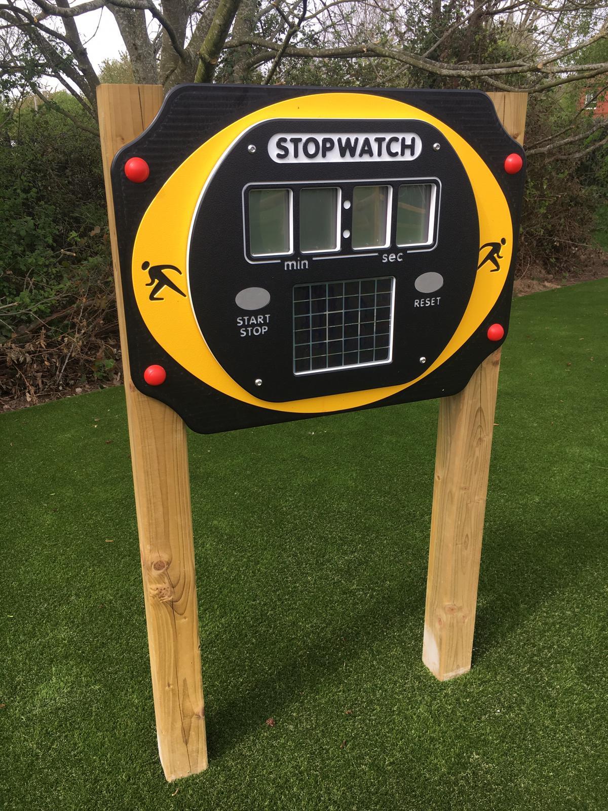 solar-powered-stopwatch1