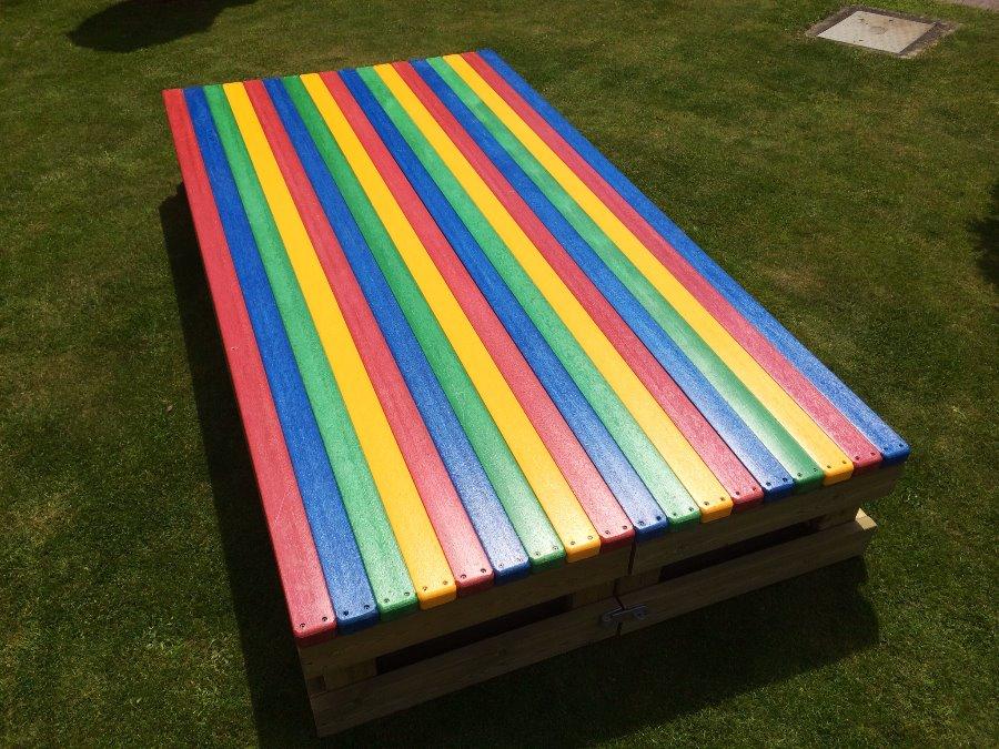 rainbow-sandpit