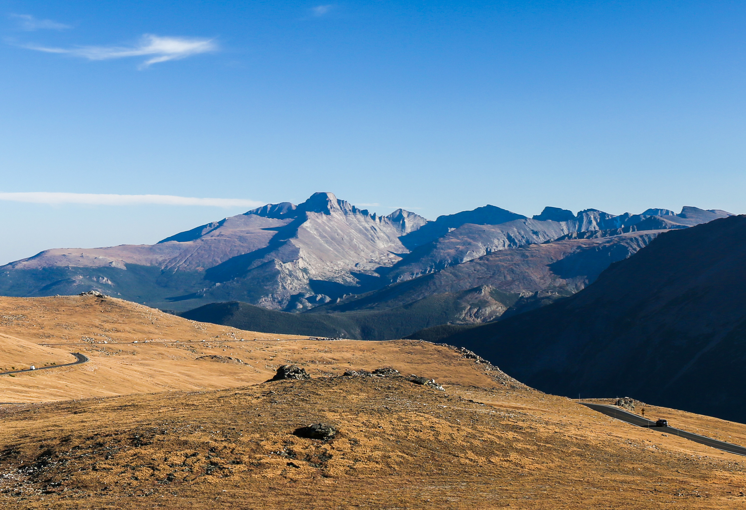 Trail_Ridge_Road_and_Longs_Peak_by_RO_creativecommons