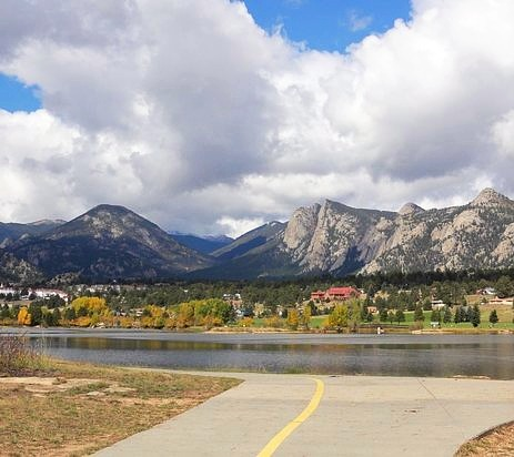lake-estes-marina_edited