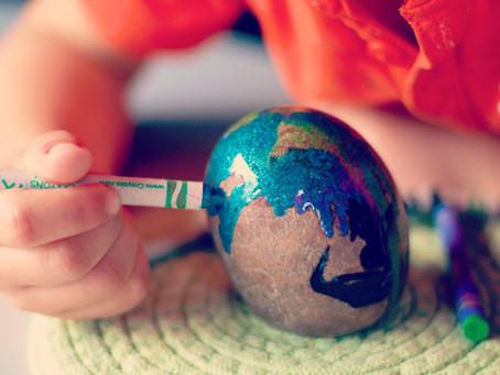 Ideas para desarrollar la creatividad: pintando piedras preciosas