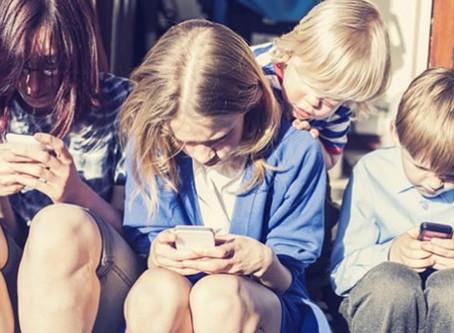 """""""Screenagers"""" o adolescentes adictos a las pantallas"""