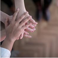 amistad-educamos-en-familia-manos.png