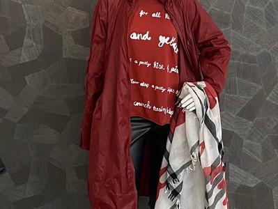 Mantel Rundholz 430€, Shirt Rundholz 140€, Hose D. Schumacher 295€