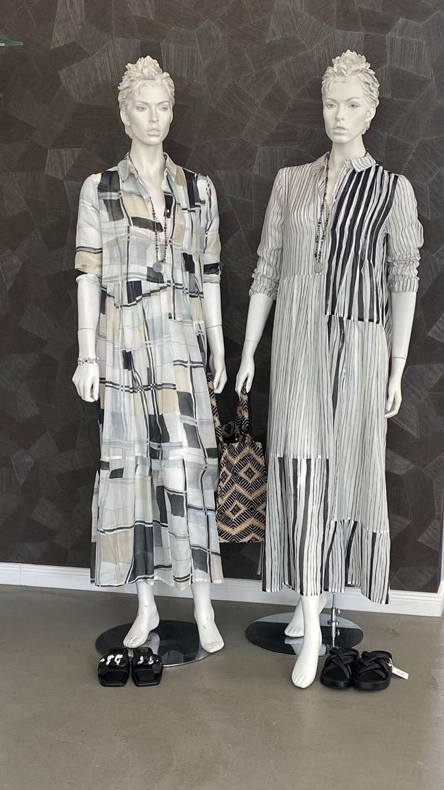 Kleid a. görtz 450€, Tasche Anokhi 119€, Ketten Inrosa 79,90€