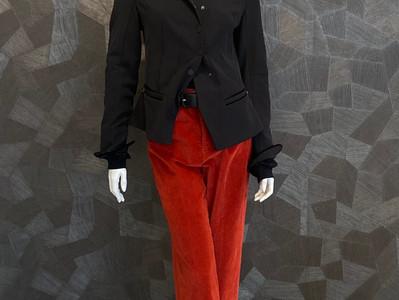 Outfit HIGH : Jacke 470€ -50%, Shirt 280€- 50%, Samthose 350€- 50%