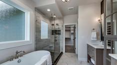 Bridgeport-35-Master Bathroom.jpg