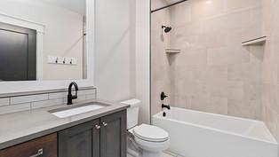 oakford-19-bathroomjpg