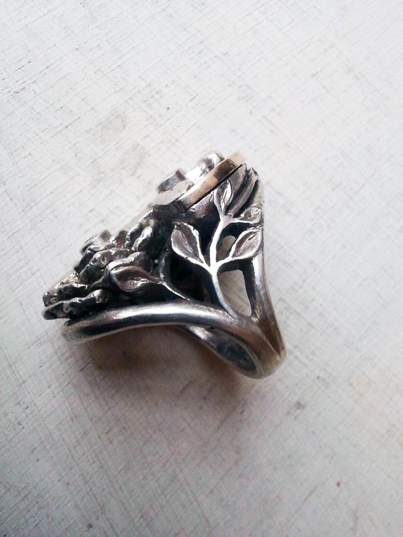 J's Ring