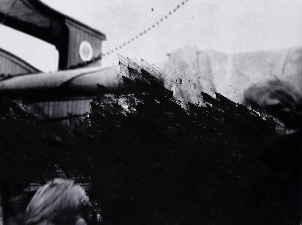 seguem os destroços celestes | the sky-wrecls drive [2018], carimbo sobre impressão jato de tinta, série de 4 imagens (45 x 60 cm cada) | rubber stamp on print on cotton paper, set of 4 images (45 x 60 each)