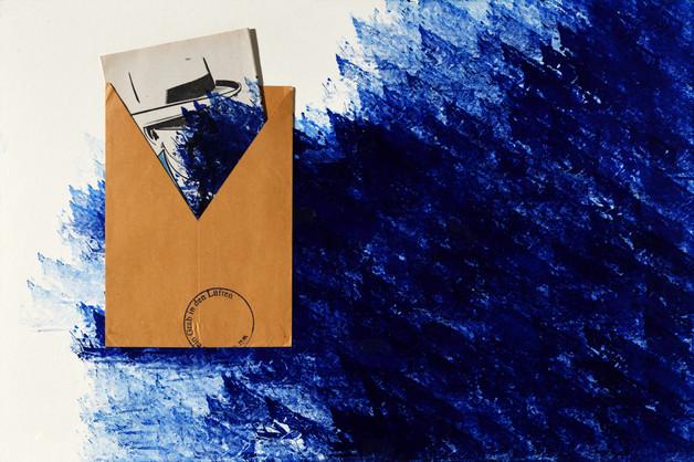 AO SUL DO FUTURO [2018], carimbo, envelope e impresso sobre cartão, 60 x 40 cm.