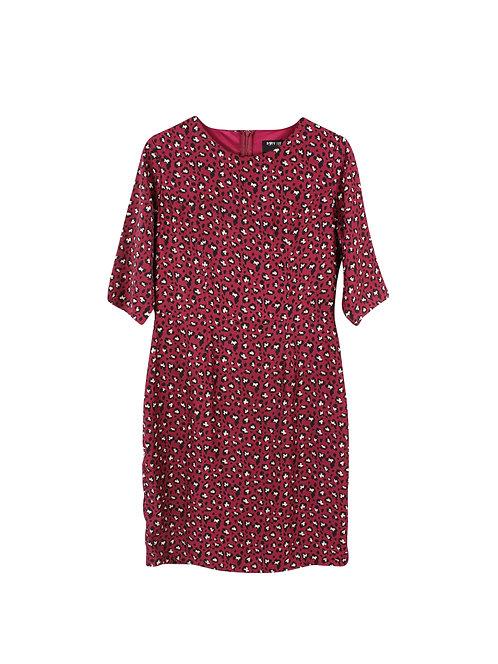 M | שמלה בצבע בורדו מודפסת