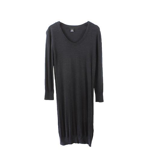L | שמלת סריג שחורה