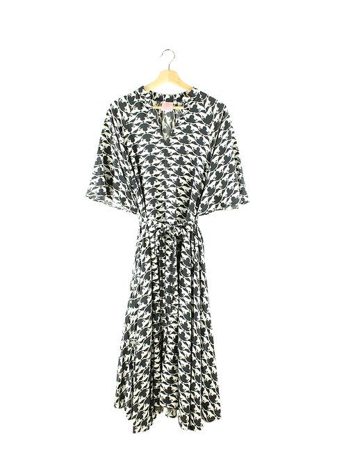S/M שמלת אוברסייז שחור לבן