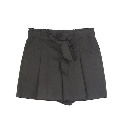 M | ZARA מכנסיים קצרים שחורים