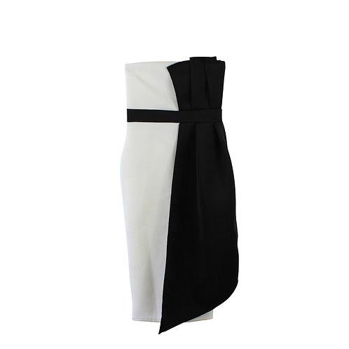 M | PRETTY LITTLE THING שמלת ערב שחור לבן עם טיקט