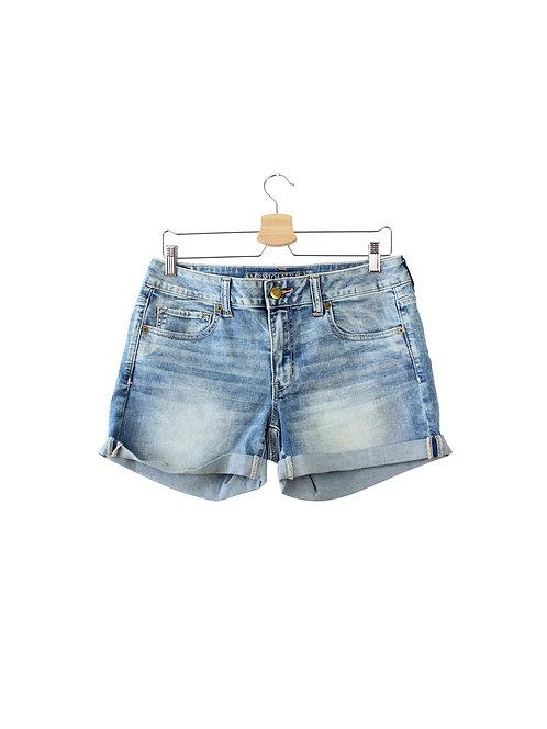 L מכנסי ג׳ינס קצרים