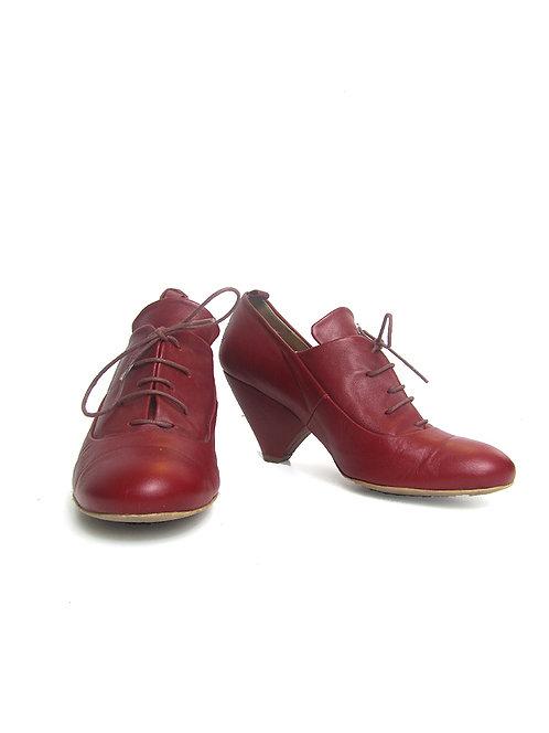 נעליים אדומות שני בר-37