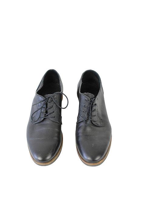 40-נעלי אוקספורד שחורות