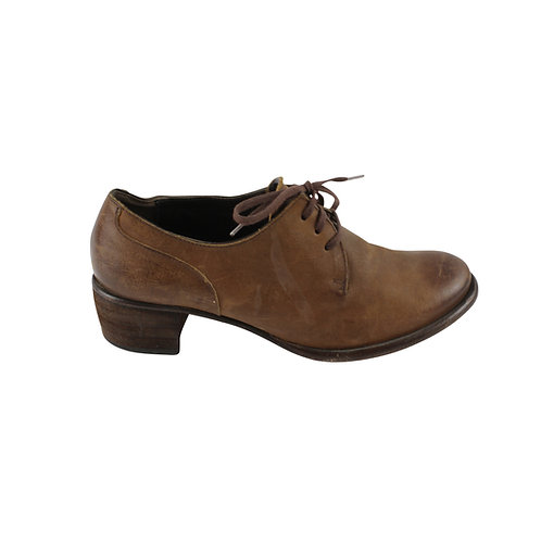 37 | VIALIS נעלי שרוכים חומות