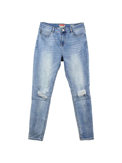 42   ג׳ינס בייקר