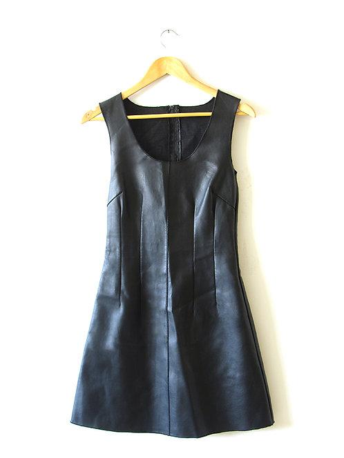 S שמלת דמוי עור שחורה
