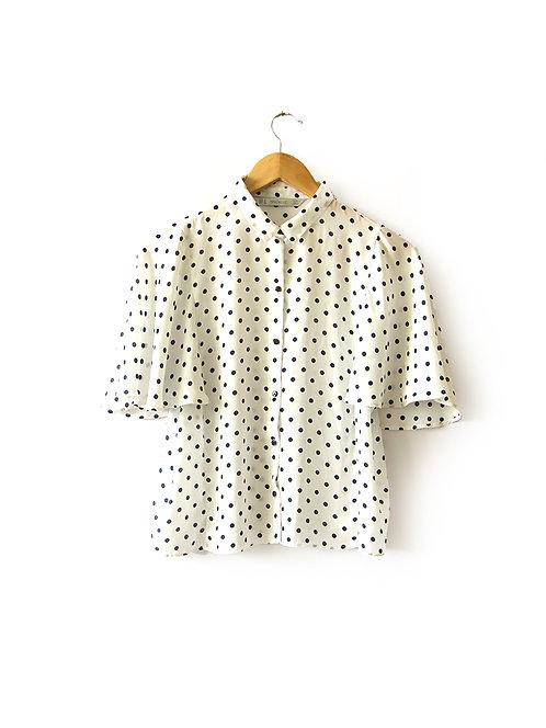 M חולצת כפתורים נקודות מידה
