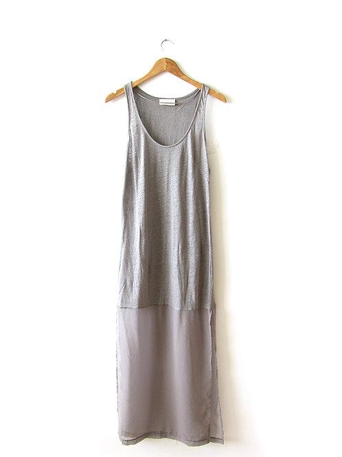 M שמלת מקסי אפורה עם סיומת שיפון מידה