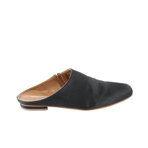 39   INTENTIONALLY נעלי מיולס