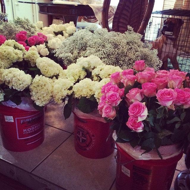 It's the wedding day! #happyweddingday #bridesmaid #flowerarrangement #florals #allaboutthatbassi201