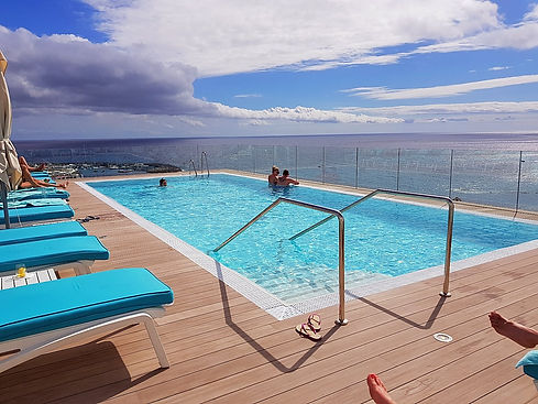 Tenerife hotel infinity pool